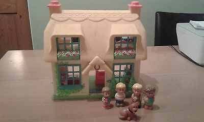 ELC Happyland Rose Cottage And Family Figures
