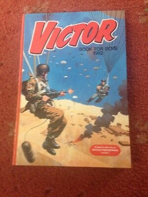 THE VICTOR BOOK FOR BOYS ANNUAL 1982 Excellent Condition