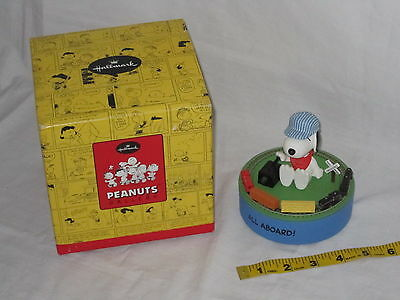 Hallmark Peanuts Gallery Snoopy On The Right Track Figurine Sound & Motion train