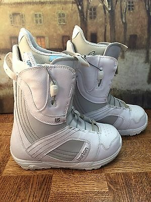 Burton Mint Snowboard Boots-Women's Size 8-White Used Excellent Condition