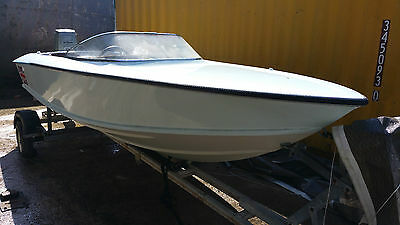 AVENGER 16 VINTAGE CLASS 3 RACING BOAT with SUZUKI DT115 on a ROAD TRAILER