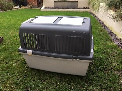 PET CARRIER for CATS or DOGS SOLID MOULDED PLASTIC
