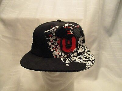 Disney Parks MICKEY MOUSE Black Baseball Hat  Youth  Flex Fitted  NEW