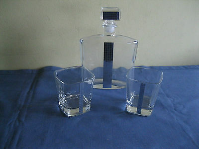 Stunning Glass Decanter and 2 Matching Glasses With a Hint of Silver Bling
