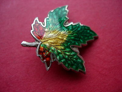 VINTAGE GREEN, GOLD&RED ENAMEL& SILVER BMCo, CANADA, MAPLE LEAF PIN BROOCH