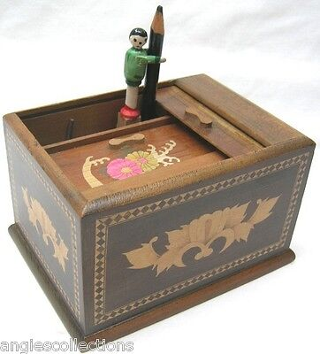 Novelty Wooden Pop Up Man Cigarette Desk Dispenser Box Made in JAPAN Vintage