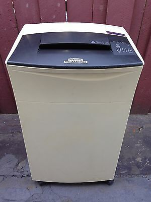 Fellowes C-220C / 220C Powershred Confetti Cut Paper Shredder