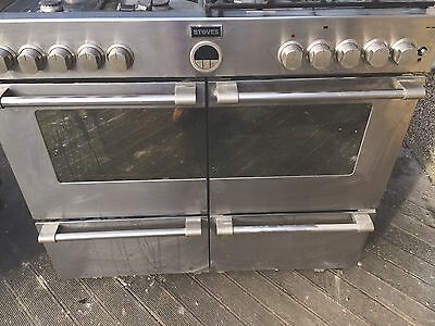 Stoves Brand Free Standing Double Oven With A 7 Burner. Silver