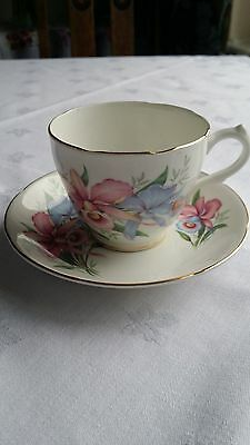 Royal Grafton & Sutherland Vintage Fine China Floral Tea Cups and Saucers
