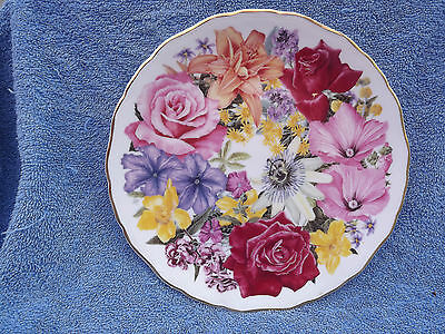 ROYAL ALBERT 'WINDSOR bouquet' FINE BONE CHINA COLLECTOR'S PLATE