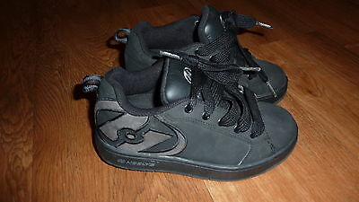 Boys/Girls Heelys Skate Shoes Size Uk 13. Good Used Condition.
