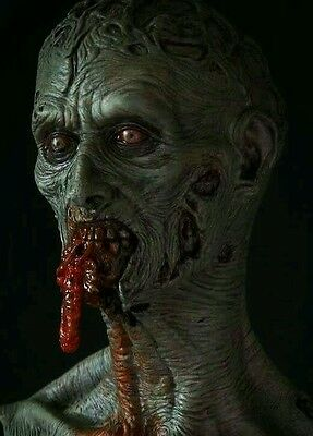 Zombie chewing on guts resin modelkits