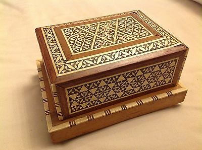 Vintage Wooden Inlaid Cigarette Box Musical