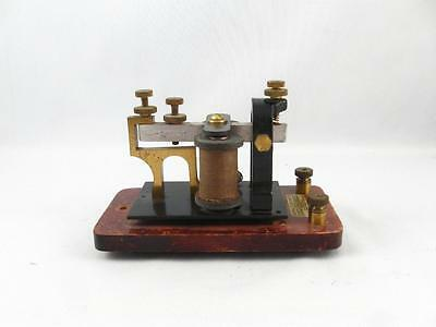 Antique Signal Electric Mfg. Telegraph Key Sounder Railroad Morse Code 4 Ohms