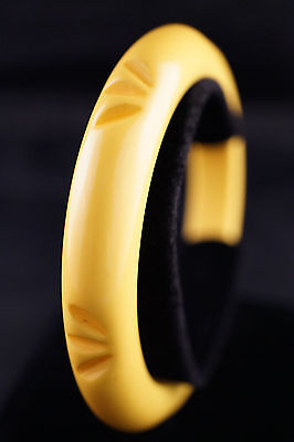 Lemon-Yellow Domed & Carved Bakelite Bangle