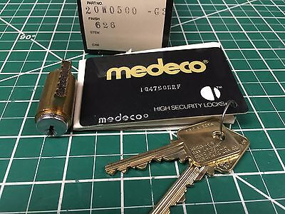 Medeco high security cylinder with keys and card / Locksmith