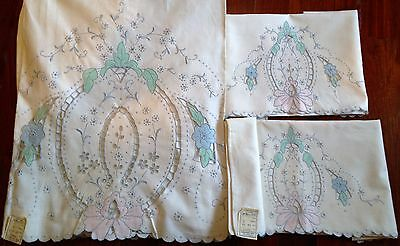 VINTAGE MADEIRA EMBROIDERED BED SHEET SET PASTELS UNUSED THREE PIECE 89x108 IN