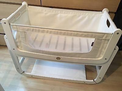 Snuzpod2 white With Mattress And Mattress Protector