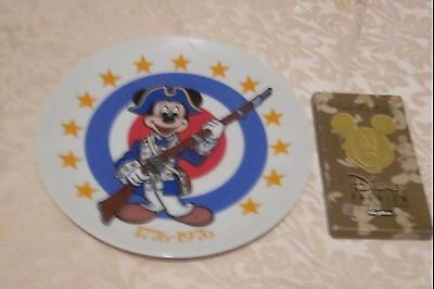 Walt Disney, Mickey Mouse Collectible Plate,bicentennial,with 1995 Skybox Cards