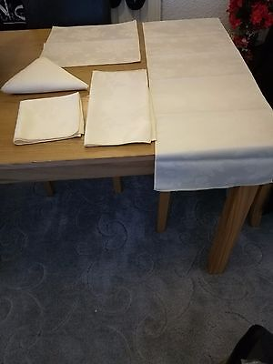 Table Runner And Napkins Brand New