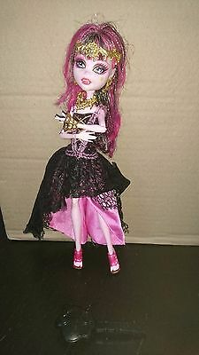 Poupée Monster high Draculaura 13 wishes