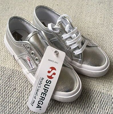 Girls Silver Superga Trainers. BRAND NEW Eur 29. UK 11