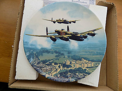 MIB - ROYAL DOULTON ~ Heroes Over Home Territory ~ LANCASTER OVER WINDSOR CASTLE