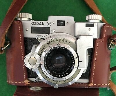 Vintage 1947-1951 Kodak 35 Rangefinder Camera With Case