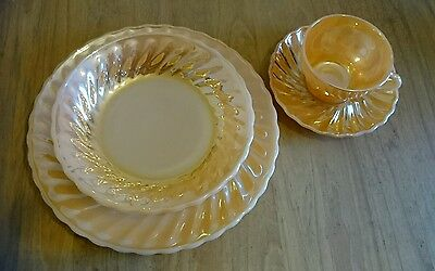 Vintage Fire King Suburbia Cups & Saucers by Anchor Hocking, 4 place set, brand