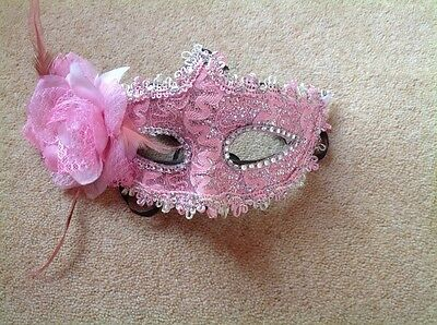 4 Mascaraed Party Masks