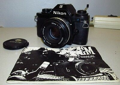 Vintage NIKON EM Film Camera w/50mm 1:1.8 Lens J927