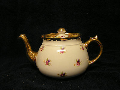 Teapot.  Floral Pattern  Gold rimmed  From England Arthur Wood