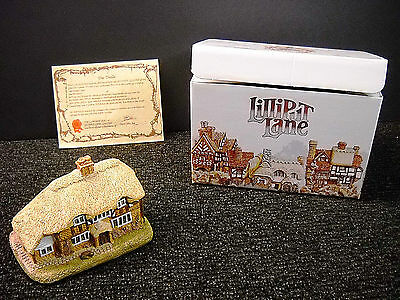 Lilliput Lane Honeysuckle Cottage English South East  NIB & Deeds 1984 - #00052