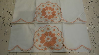 Vintage PILLOWCASE PAIR Peach & White Crocheted Floral Inset