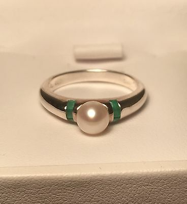 Sterling Cultured White Pearl 6mm And Emerald Ring Size 7