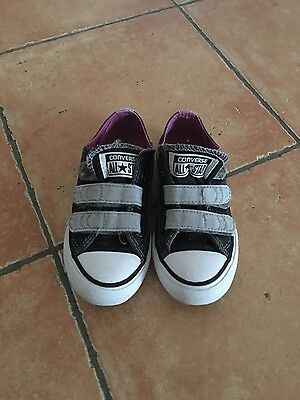 Converses taille 27  tbe fille