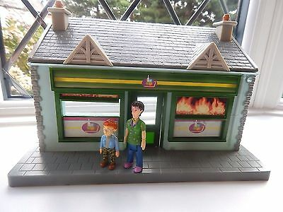 Naughty Norman & Dilys Price Posable Figures With Supermarket From Fireman Sam