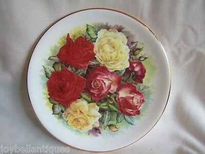 Duchess Cabinet Plate. Wall Plaque.  Rose Bouquet by Dorothy Wallace