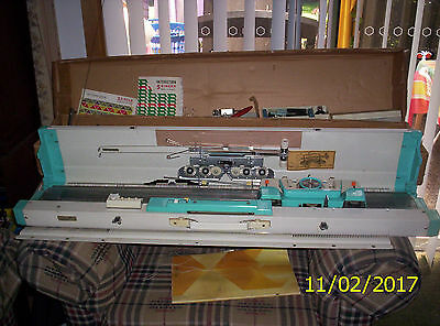 knitting machine singer 313 and ribber attachment