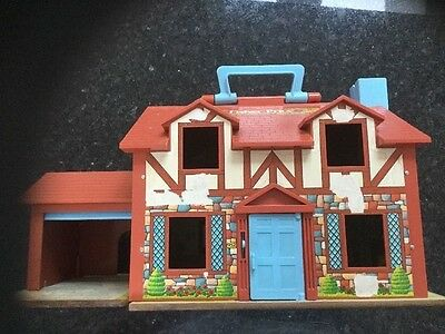VINTAGE 1980's FISHER PRICE HOUSE