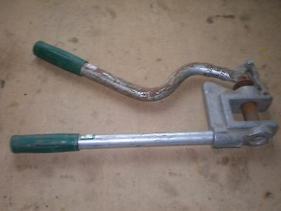 "GREENLEE STUD PUNCH 1 5/8"" Knockout Hole Nice Condition"