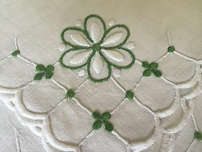 STUNNING Linen Tablecloth 66 x 88 Hand Embroidered PRISTINE ..includes napkins