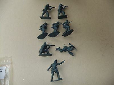 Vintage Airfix 1:32 Scale German Infantry Toy Soldiers X 8