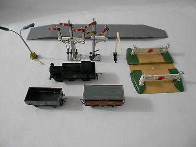 Selection Of Mixed Oo Gauge Railway Accessories Inc Tank Engine - Mainly Hornby