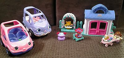 Fisher Price Little People House, cars, garden, cat, pram, baby, mother, Grandma