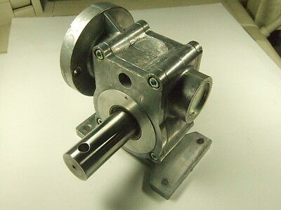 Euclid mc137c Gear Mount Part