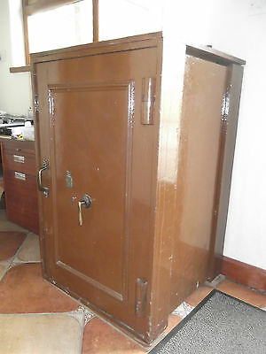 Milners Extra Large Safe Powderproof Solid Lock Liverpool And London Heavy Duty