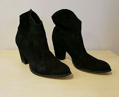 Wittner black leather ankle boots 36