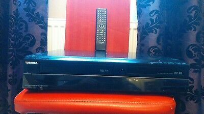 Toshiba DVR20 DVD & VHS Recorder Player HDMI USB FREEVIEW