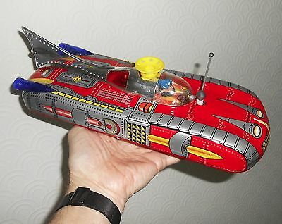 Space Ship ME-102 tinplate battery operated vintage 1970`s boxed collectable